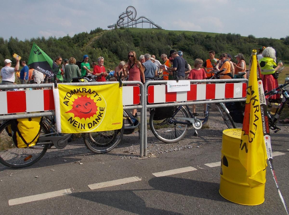 Kundgebung gegen die Atommüllkonditionierung in Duisburg Wanheim