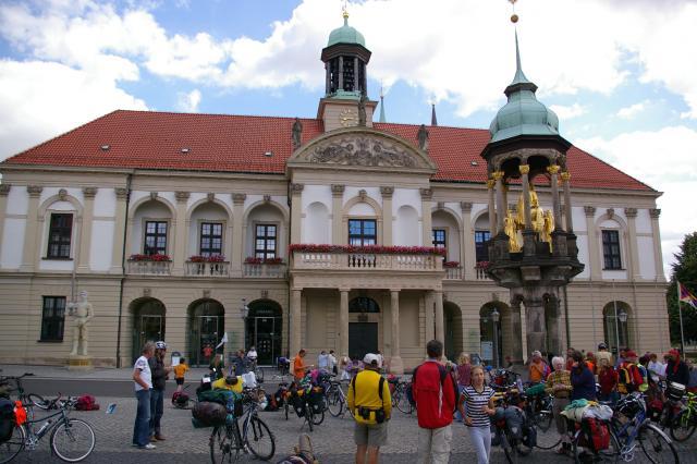 Die Tour de Natur 2008 ist am Ziel - Magdeburger Rathaus