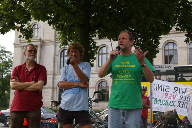 Diskussion mit Michael Cramer (MdEP) und Norbert Rheinländer (Bürgerinitiative Stadtring Süd -  gegen die Verlängerung der A100)