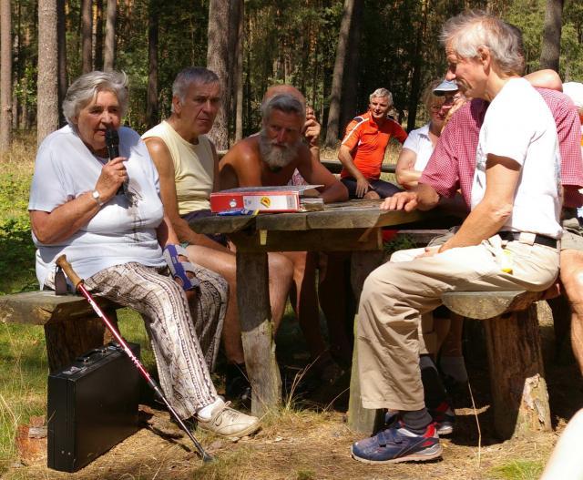Gespräch mit Lilo Wollny am Zwischenlager Gorleben
