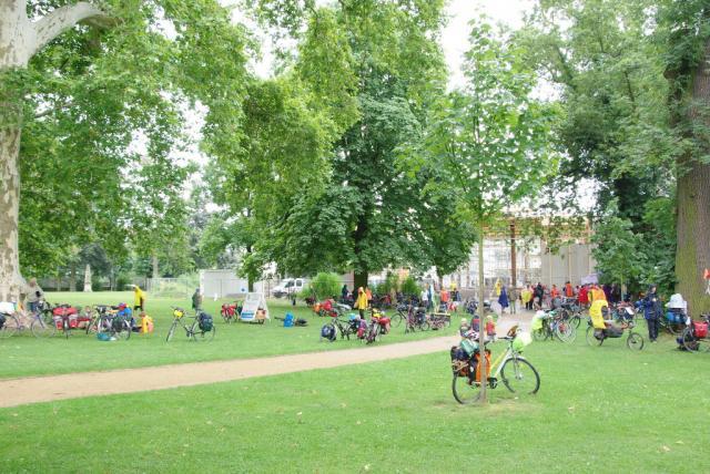 Mittagessen im Schlosspark Hanau